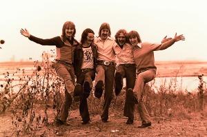 Silver Laughter 1976 - Jon, sound and light man Carl Frisch, Ken, Paul and Mick