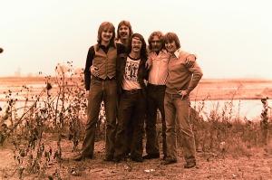 Silver Laughter 1976 - Jon, Ken, Carl Paul and Mick