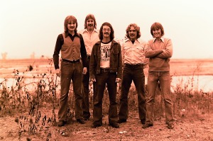 Silver Laughter 1976 - Jon, Ken, Carl, Paul and MickSilver Laughter 1976 - Jon, Ken, Carl, Paul and Mick