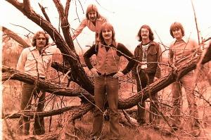 Silver Laughter 1976 - Paul, Ken (in tree), Jon, Carl and Mick