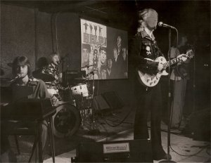 Silver Laughter LIVE 1976 - the same lineup that reunited in 1979 - Mick, Kim, Jon and Ken